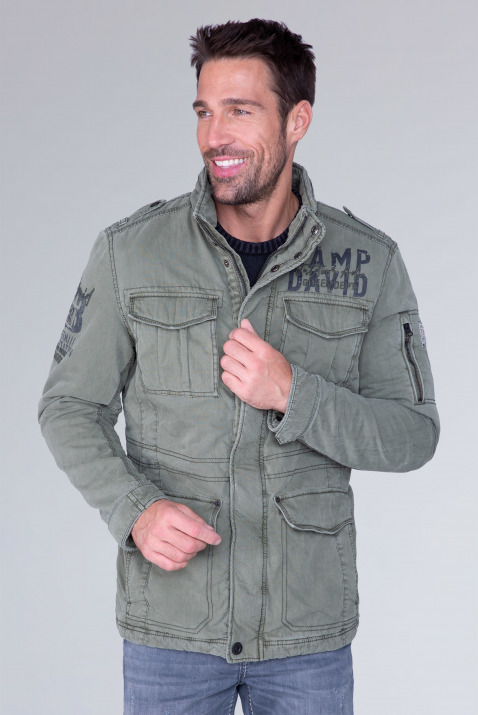 Fieldjacket mit Label-Applikationen