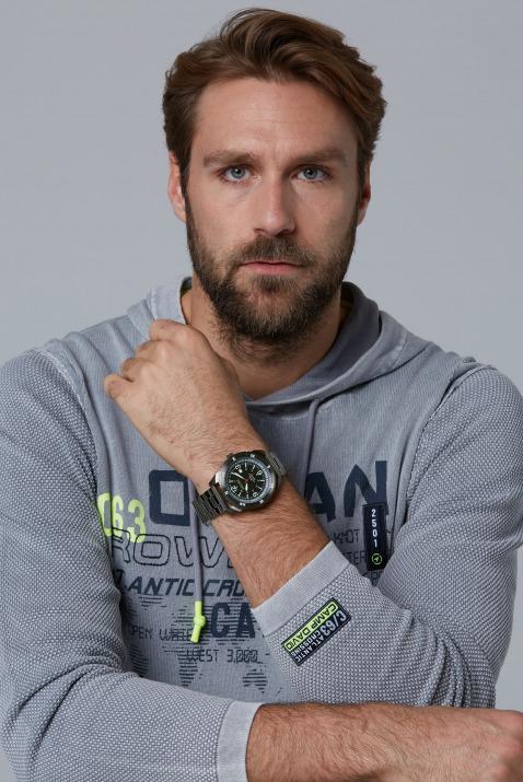 Matte Edelstahluhr mit Gliederarmband