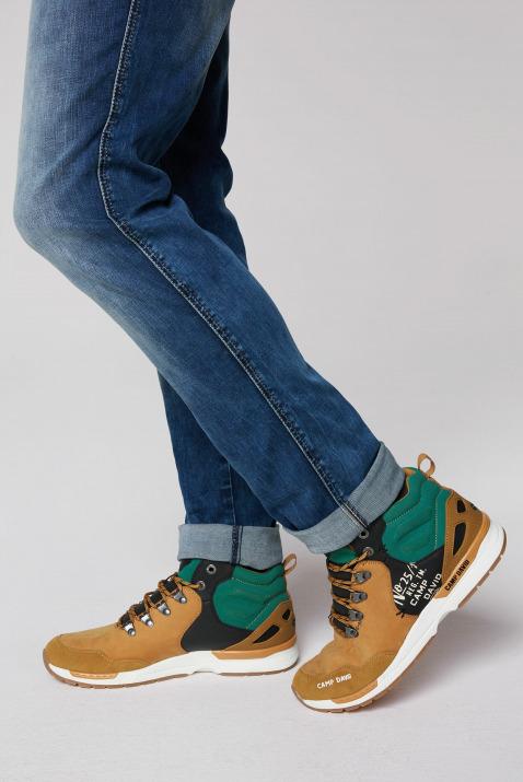 Robuster Sneaker in Wanderschuh-Optik