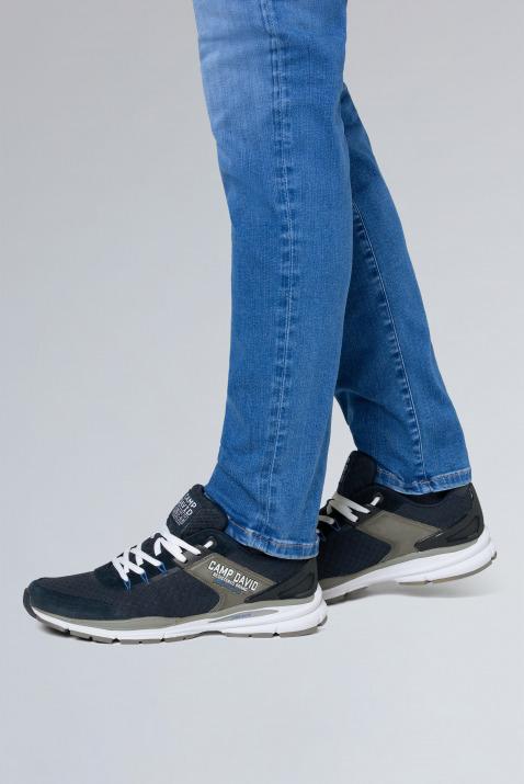 Running Sneaker aus Mesh