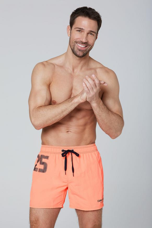Badeshorts mit Label Print neon orange