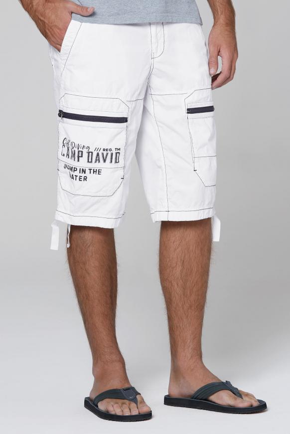 Cargo Bermuda mit Zippertaschen und Artworks new white