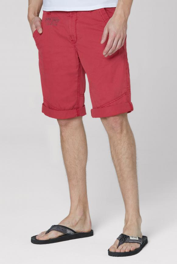 Chino Shorts mit Back Print berbere red