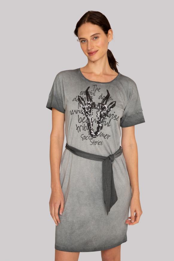 Gefärbtes T-Shirt-Kleid mit Artwork black smoke