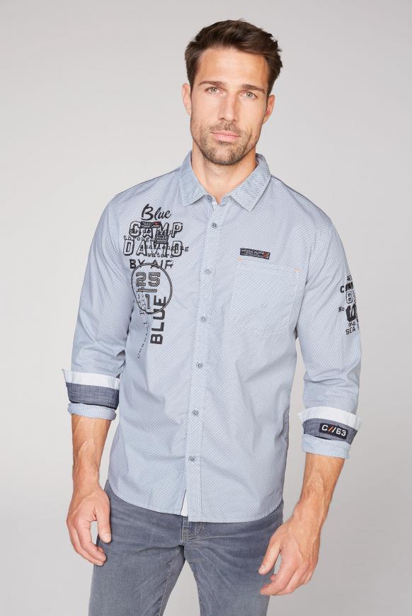 Hemd mit Musterprint und Artworks pale white