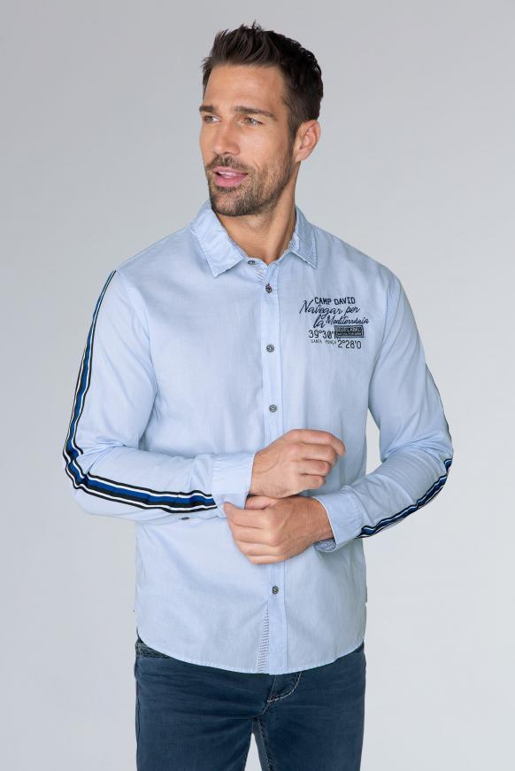 Hemd mit Streifen-Tapes am Ärmel summer blue