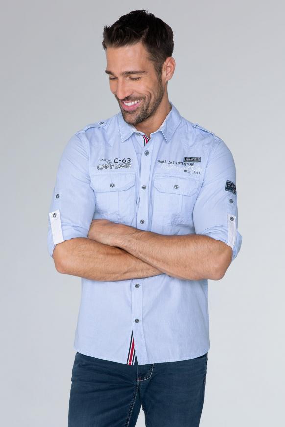 Hemd mit Taschen, Artworks und Schulterriegeln summer blue