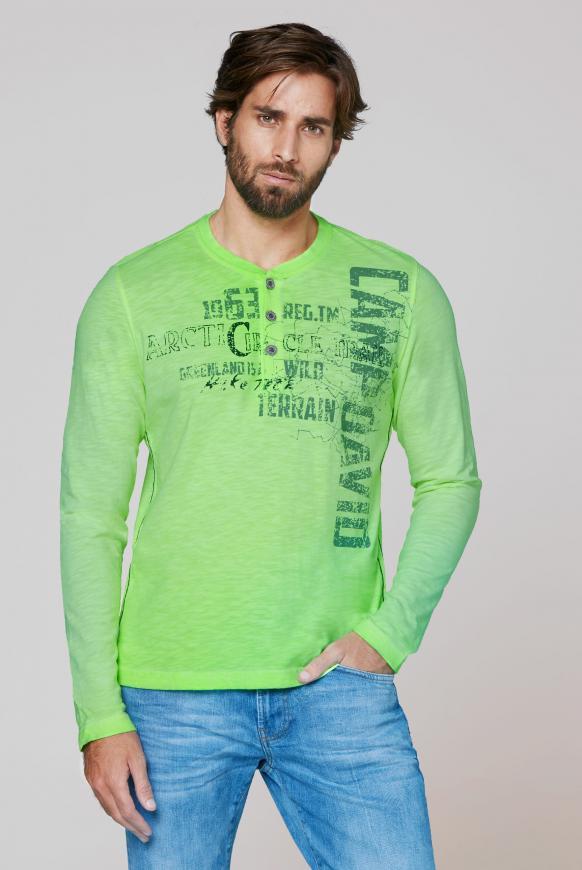 Henley-Shirt aus Flammgarn mit Used Prints signal green
