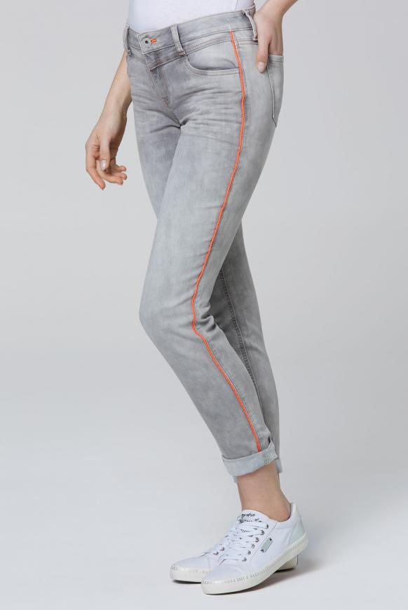 Hosen - Jeans CH EA mit Neon Piping und Used Optik Farbe silver grey  - Onlineshop CAMP DAVID, SOCCX