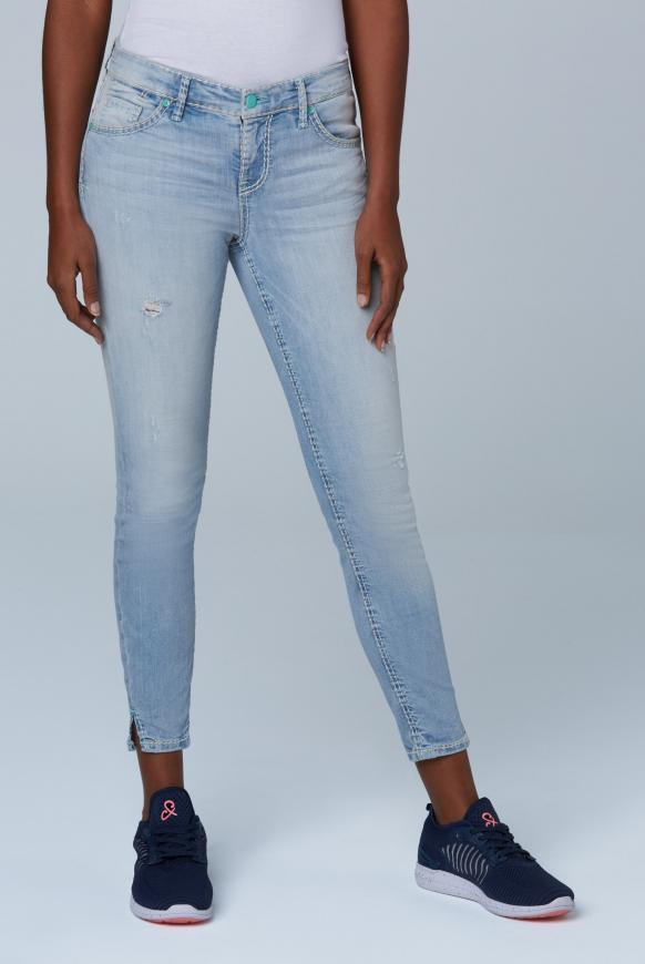 Jeans MI:RA mit Destroy-Effekten salt washed