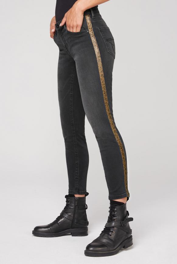 Jeans MI:RA mit Snake-Tapes an den Seiten black