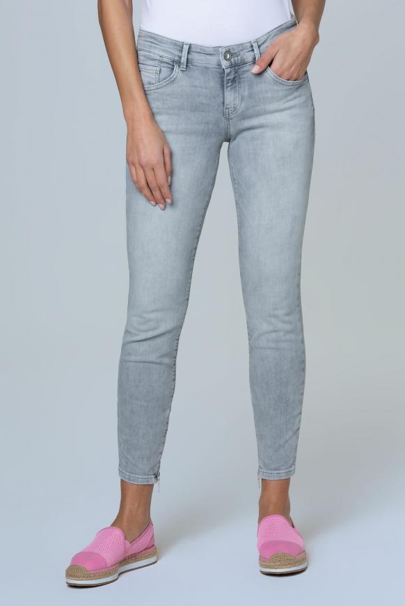 Jeans MI:RA mit Used-Optik und Back Prints light grey