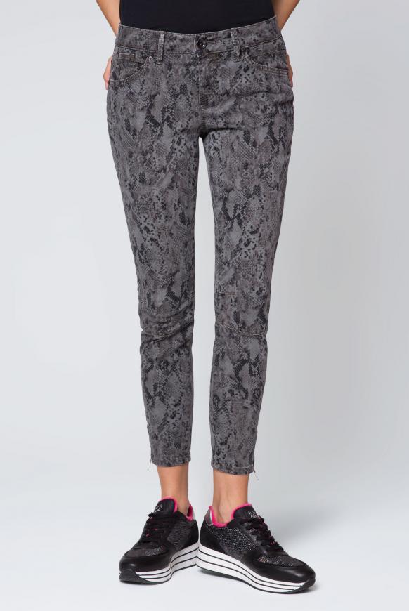 Jeans mit Cropped Leg und Snake Print EL:LA grey smoke