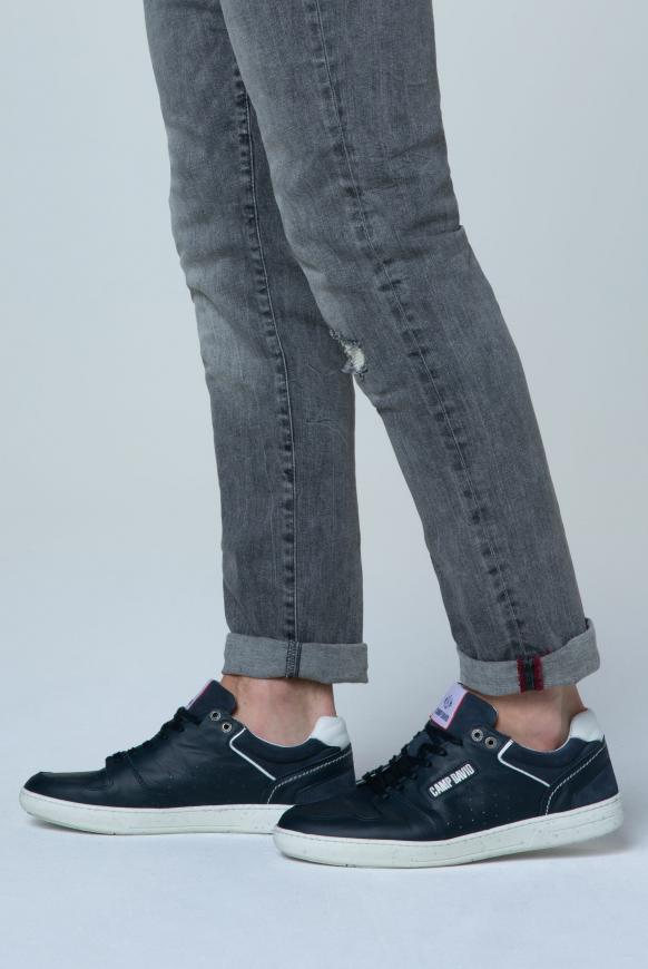 Premium Sneaker aus perforiertem Leder absolute blue