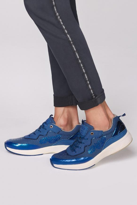 Premium Sneaker im Metallic Look