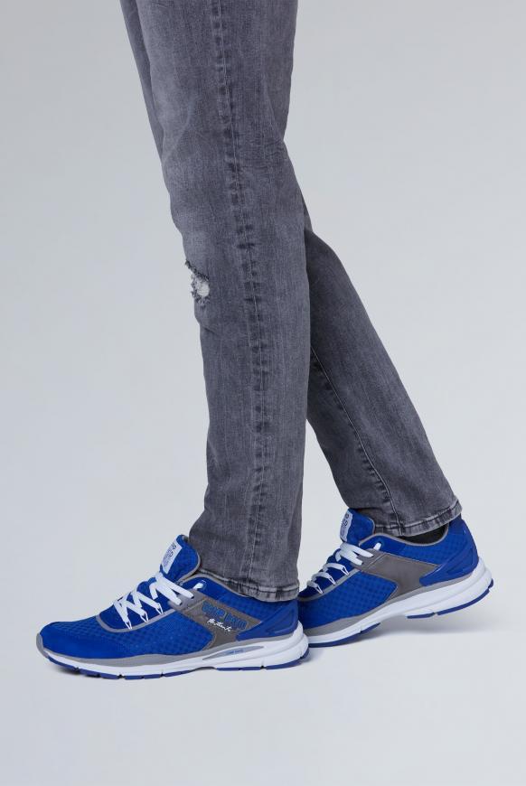 Running Sneaker aus Mesh signal blue