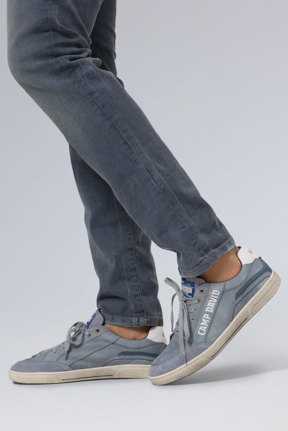Sneaker aus Leder mit Logostick fog blue