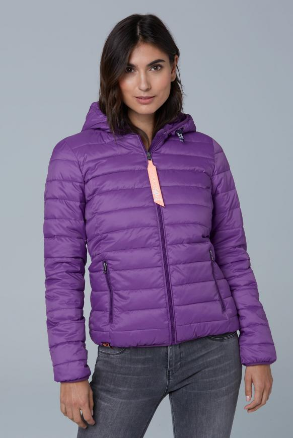 Steppjacke mit Teddyfutter und Back Print bright purple