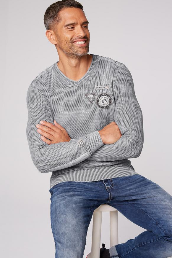 Stone Washed Pullover mit Patches grey