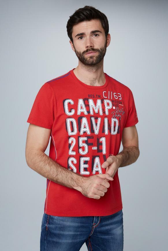 T-Shirt mit großen Label-Applikationen royal red