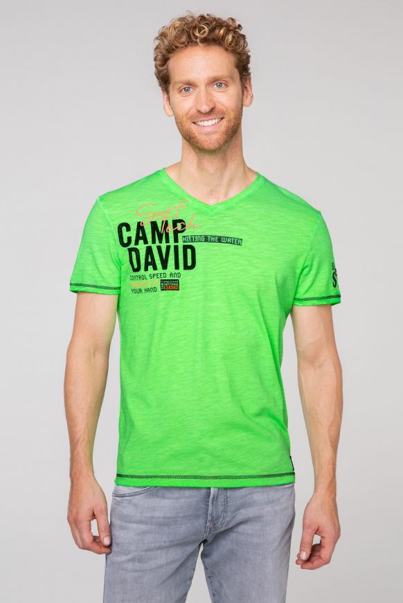 T-Shirt mit V-Neck und Rücken-Print tech green