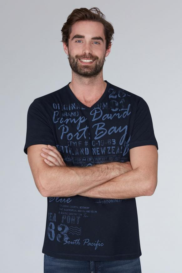 T-Shirt mit V-Neck und Used Print blue navy