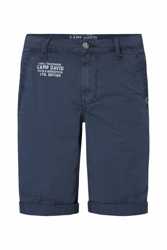 Chino Shorts mit Back Print dusty blue