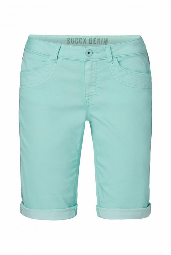 Coloured Jeansshorts DE:BY mit Streifentape cool aqua