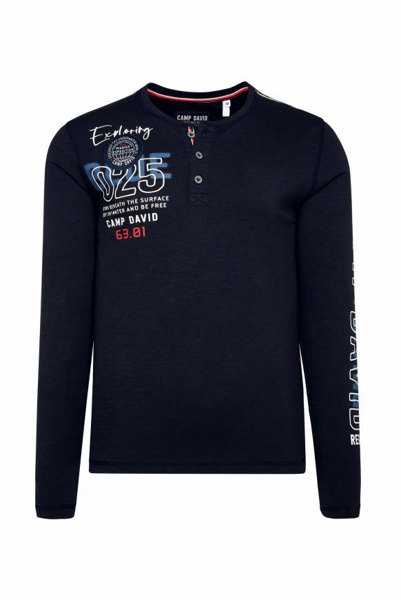 Henley-Shirt mit Label-Applikationen deep sea