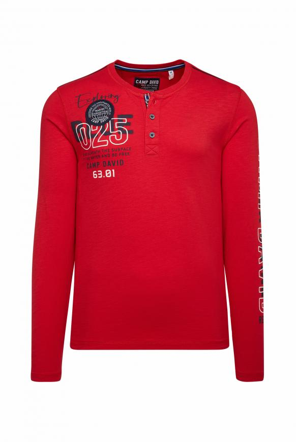 Henley-Shirt mit Label-Applikationen royal red