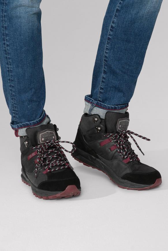 Hiking Sneaker mit griffiger Sohle black