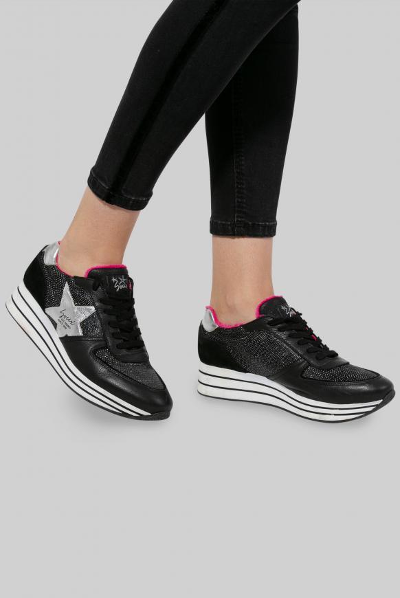 Plateau-Sneaker mit Metallic-Effekten black