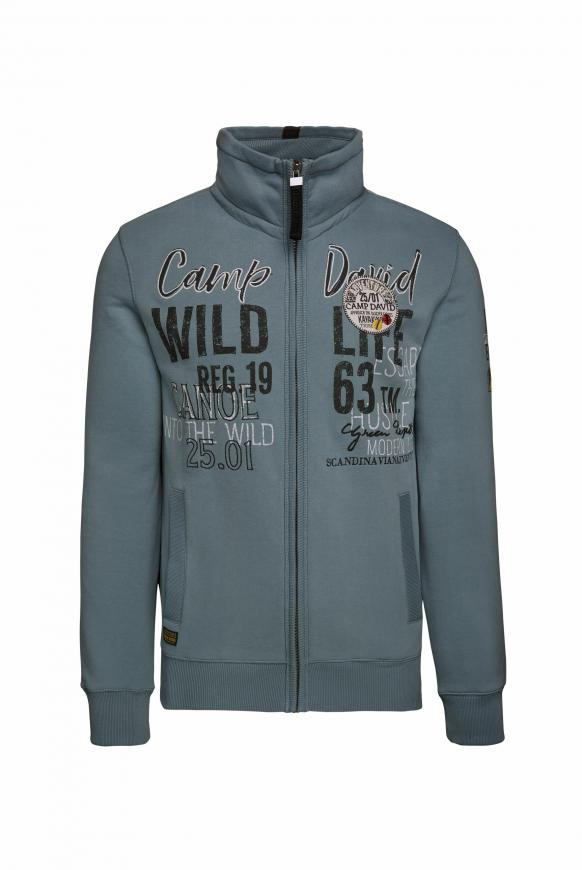 Sweatjacke mit Artworks und Steppungen viking blue
