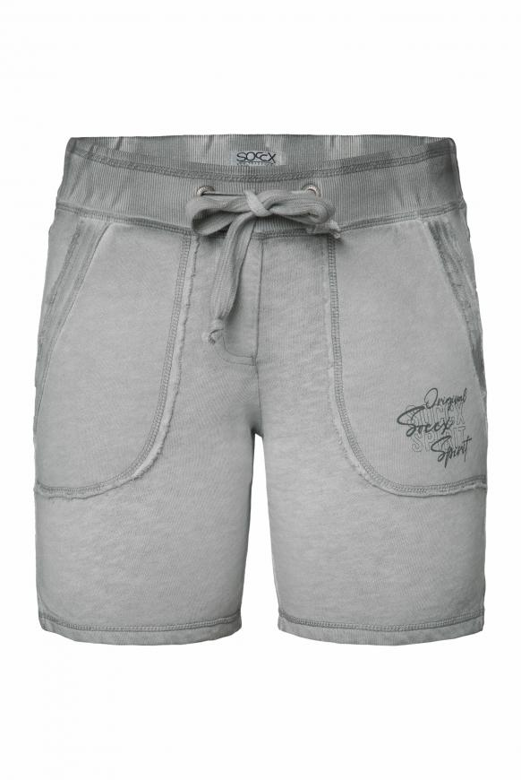 Sweatshorts mit Used-Optik und Print cloudy grey