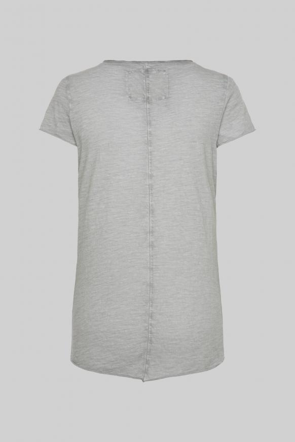 T-Shirt mit Label Print und Used Look cloudy grey