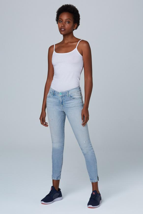 Jeans MI:RA mit Destroy-Effekten