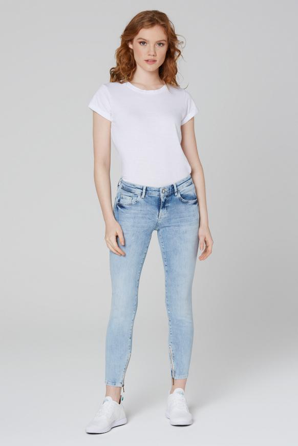 Jeans MI:RA mit Used-Waschung und Prints