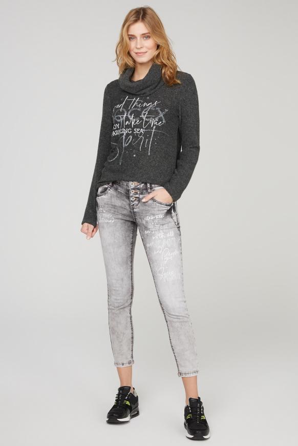 Pullover mit weitem Rollkragen und Print