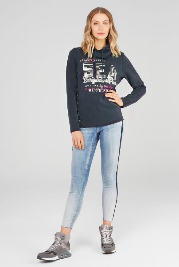 Sweatshirt mit hohem Kragen und Pailletten-Artwork