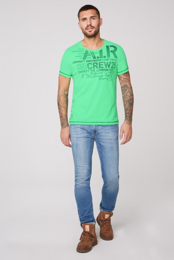 T-Shirt mit Artworks und Kontrastnähten