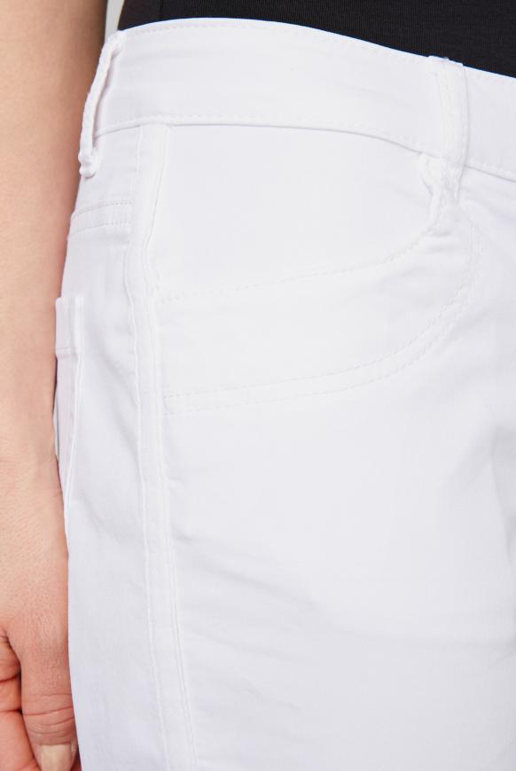 Coloured Jeansshorts BE:BY mit Seitentape