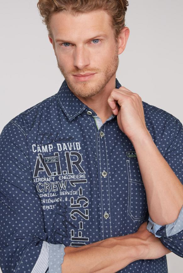 Hemd mit Musterprint, Artworks und Tasche