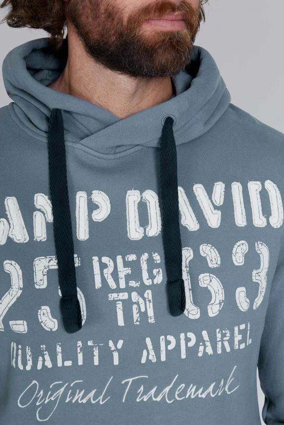 Camp David Herren Hoodie mit plakativen Label-Applikationen