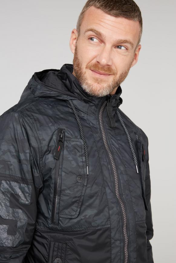 Jacke mit Camouflage Print und Kapuze