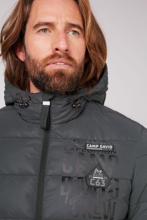 Jacke mit reflektierendem Farbverlauf
