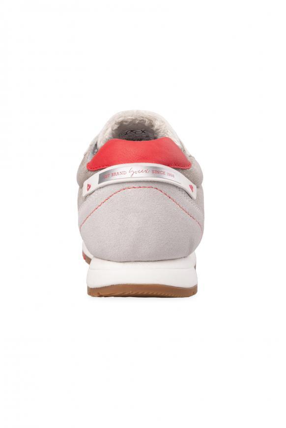 Sneaker im Materialmix mit Glanz-Effekten