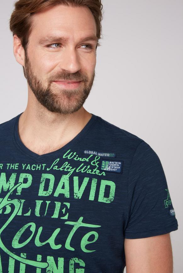 Streifenshirt mit V-Neck und Label Prints