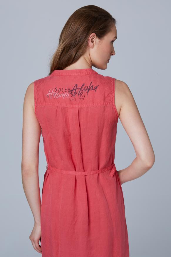 Ärmelloses Kleid mit Taillengürtel