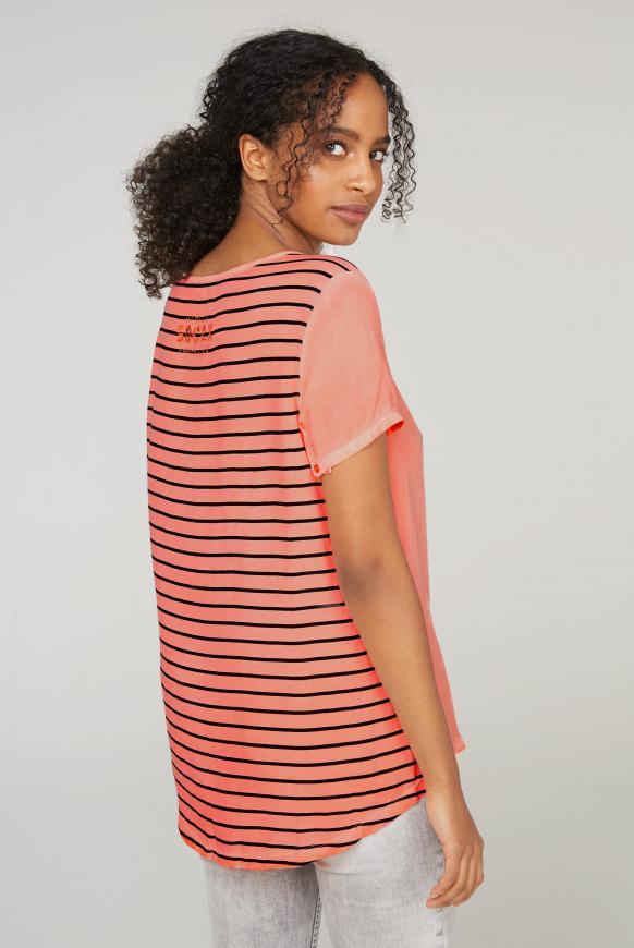 Blusenshirt mit gestreifter Rückseite