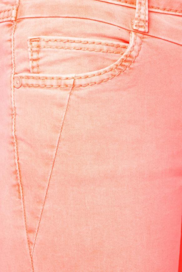 Coloured Capri Denim LY:IA mit Knopfleiste